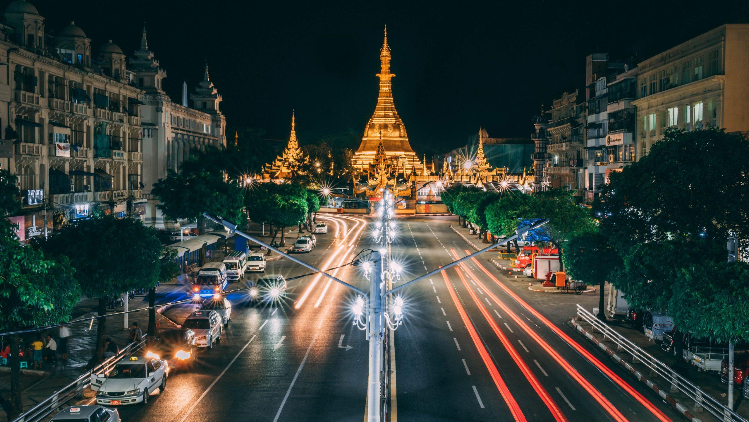 Dịch vụ chuyển phát nhanh hàng hóa đi hỏa tốc đi Myanmar