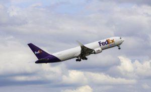 Trời ơi tin được không! Chuyển phát nhanh FedEx nhanh đến không tưởng