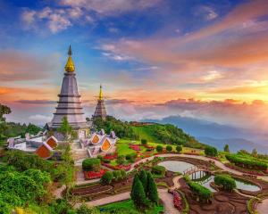 Nhập khẩu giày dép Thái Lan qua dịch vụ vận chuyển uy tín, giá rẻ